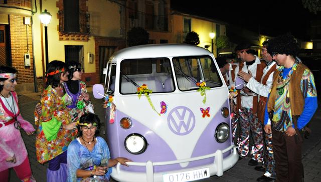 Disfraces de hippie haz el amor y tambi n una fiesta - Fiestas hippies decoracion ...